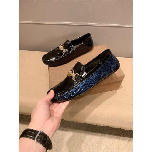 Versace Leather Shoes For Men #920647