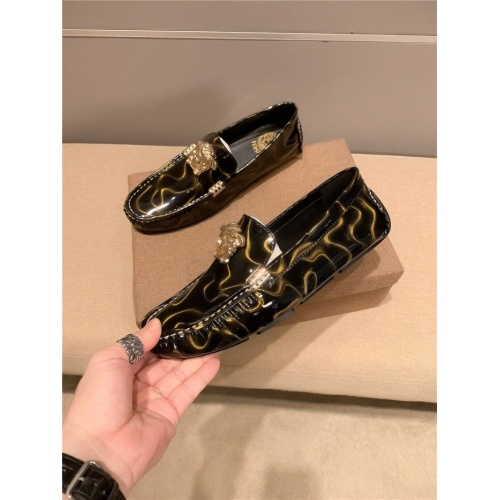 Versace Leather Shoes For Men #920654