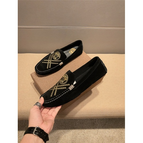 Versace Leather Shoes For Men #920655