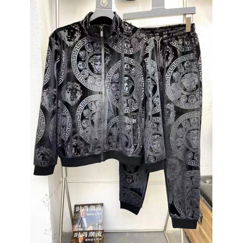 Versace Tracksuits Long Sleeved For Men #921011